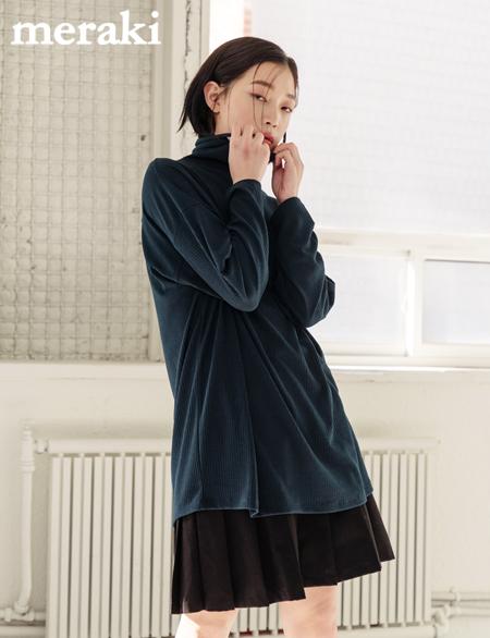 유리나 폴라 티셔츠 4