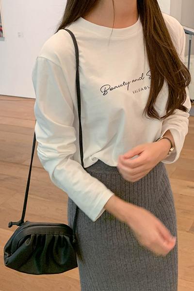 모던 레터링 티셔츠