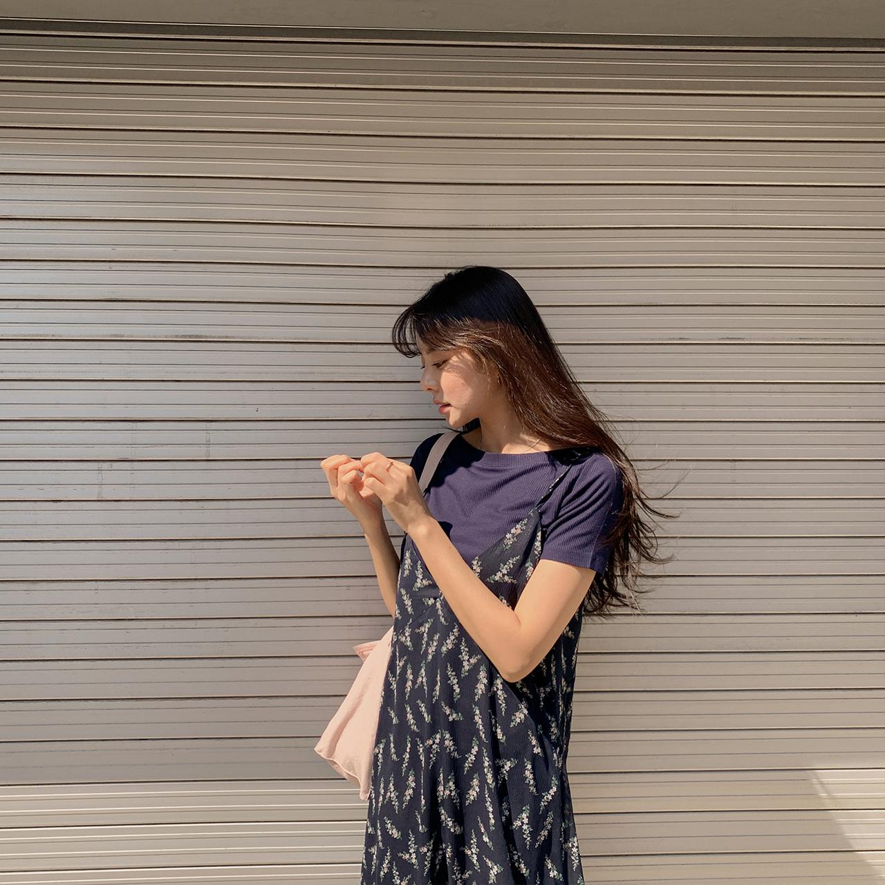 [Get 2 Sale] 컬러링 입술넥 반팔티셔츠