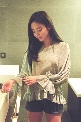 antinovel_blouse