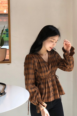 walnut pie, blouse
