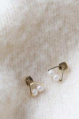 mini pearl, earing