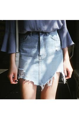 falling short_skirt